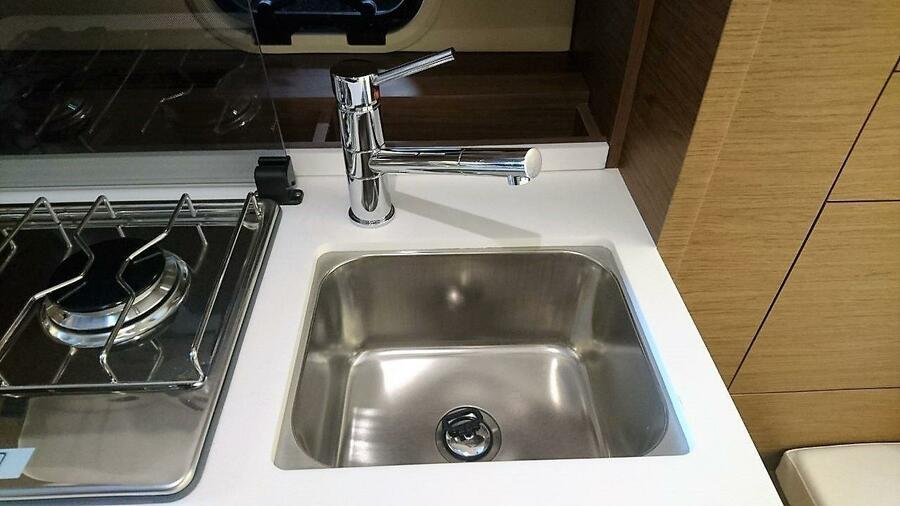 Jeanneau Cap Camarat 10.5 WA (Jeanneau Cap Camarat 10.5 WA) sink ins - 15