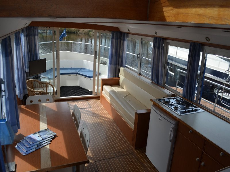 Safari Houseboat 1200 (Holidaytime) Interior image - 5