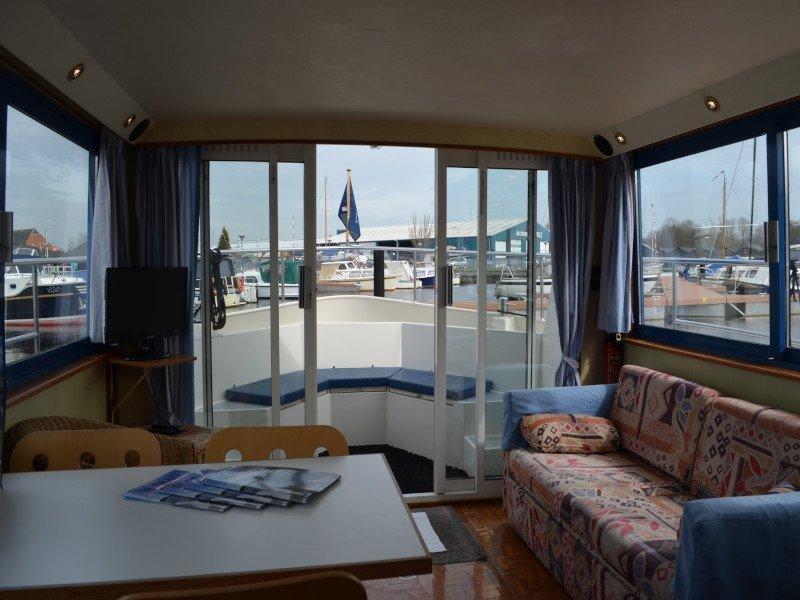 Safari Houseboat 1050 (Queen) Interior image - 9