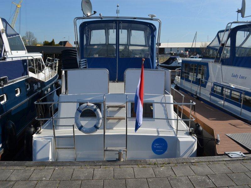 Safari Houseboat 1050 (Queen)  - 2