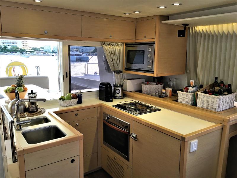 Lagoon 450 4 cabin (Allegra)  - 11