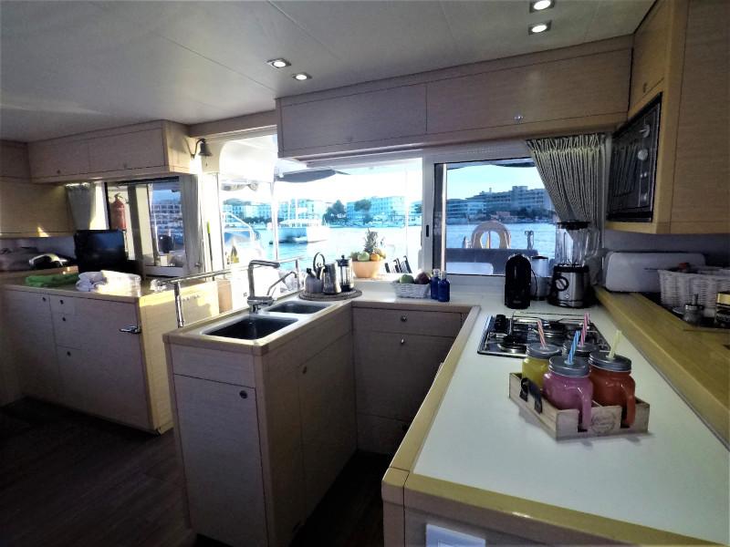 Lagoon 450 4 cabin (Allegra)  - 2