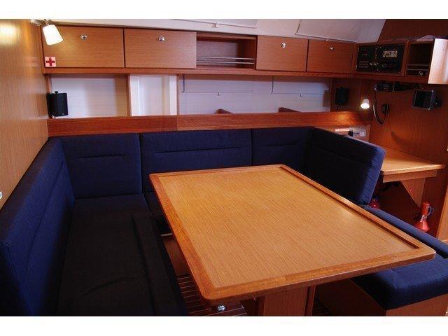Bavaria Cruiser 45 (Renaisance) Interior image - 2