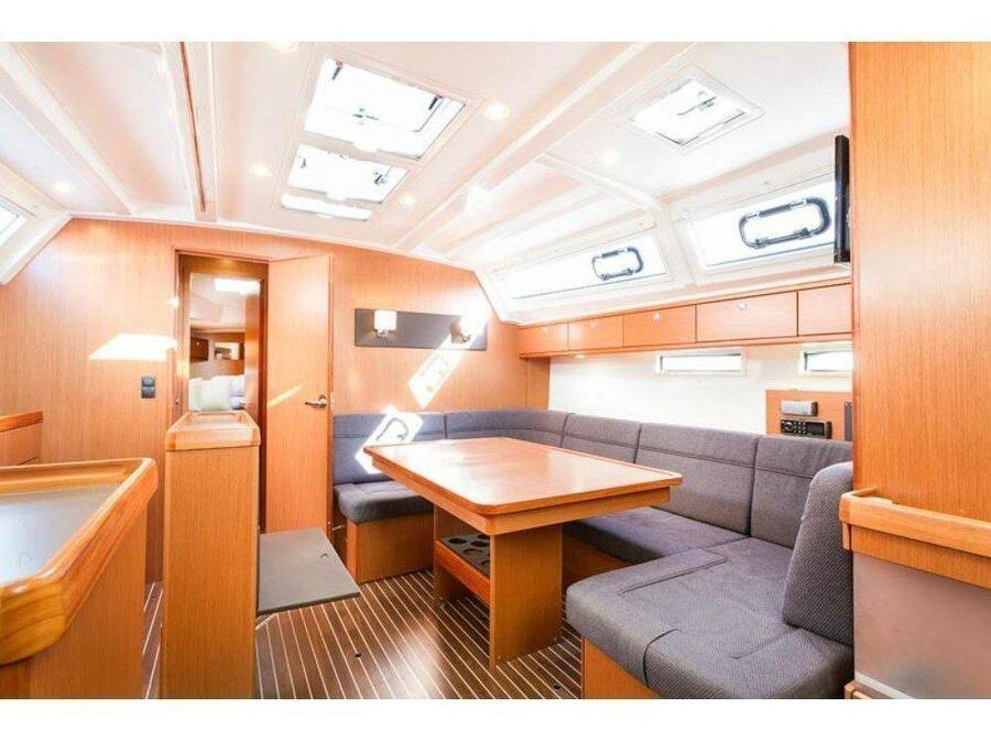 Bavaria 46 Cruiser (Starscatcher) Interior image - 10