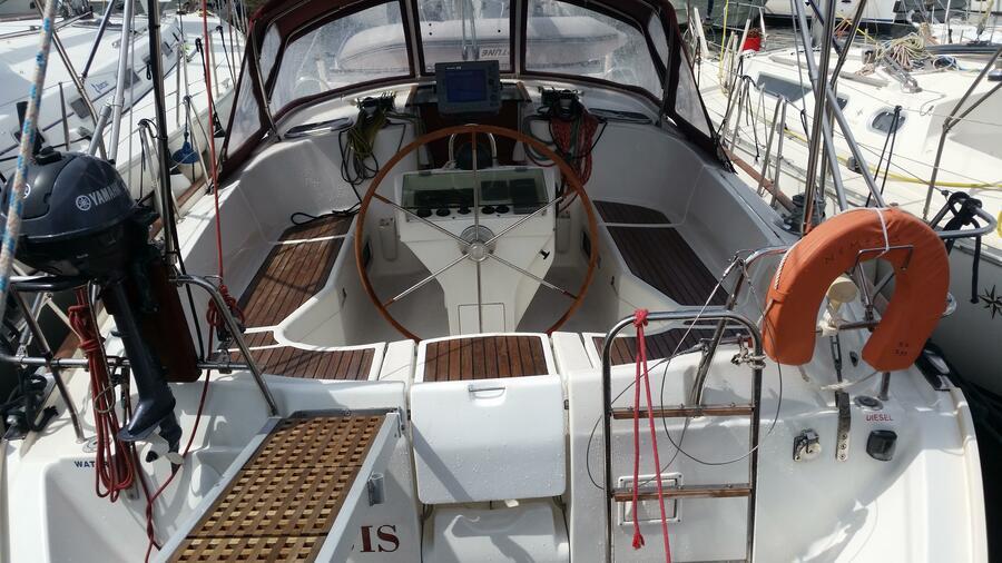 Oceanis 411 Clipper (Nemesis)  - 11