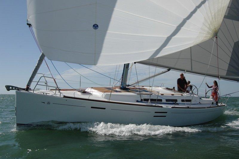 Dufour 40E Performance (Tiburon) Main image - 0