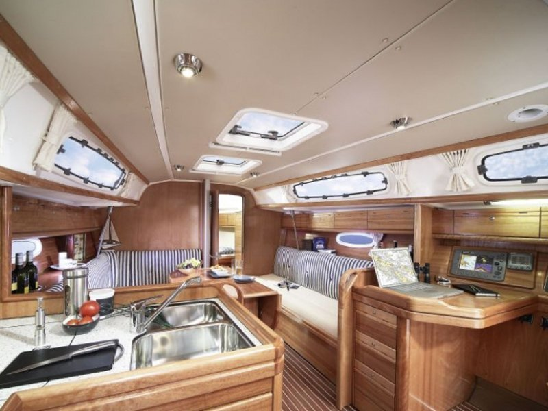 Bavaria Cruiser 34-2 (Why Not) Interior image - 1