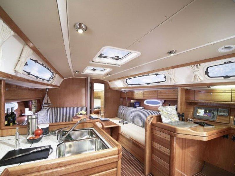 Bavaria Cruiser 34-3 (So What) Interior image - 2