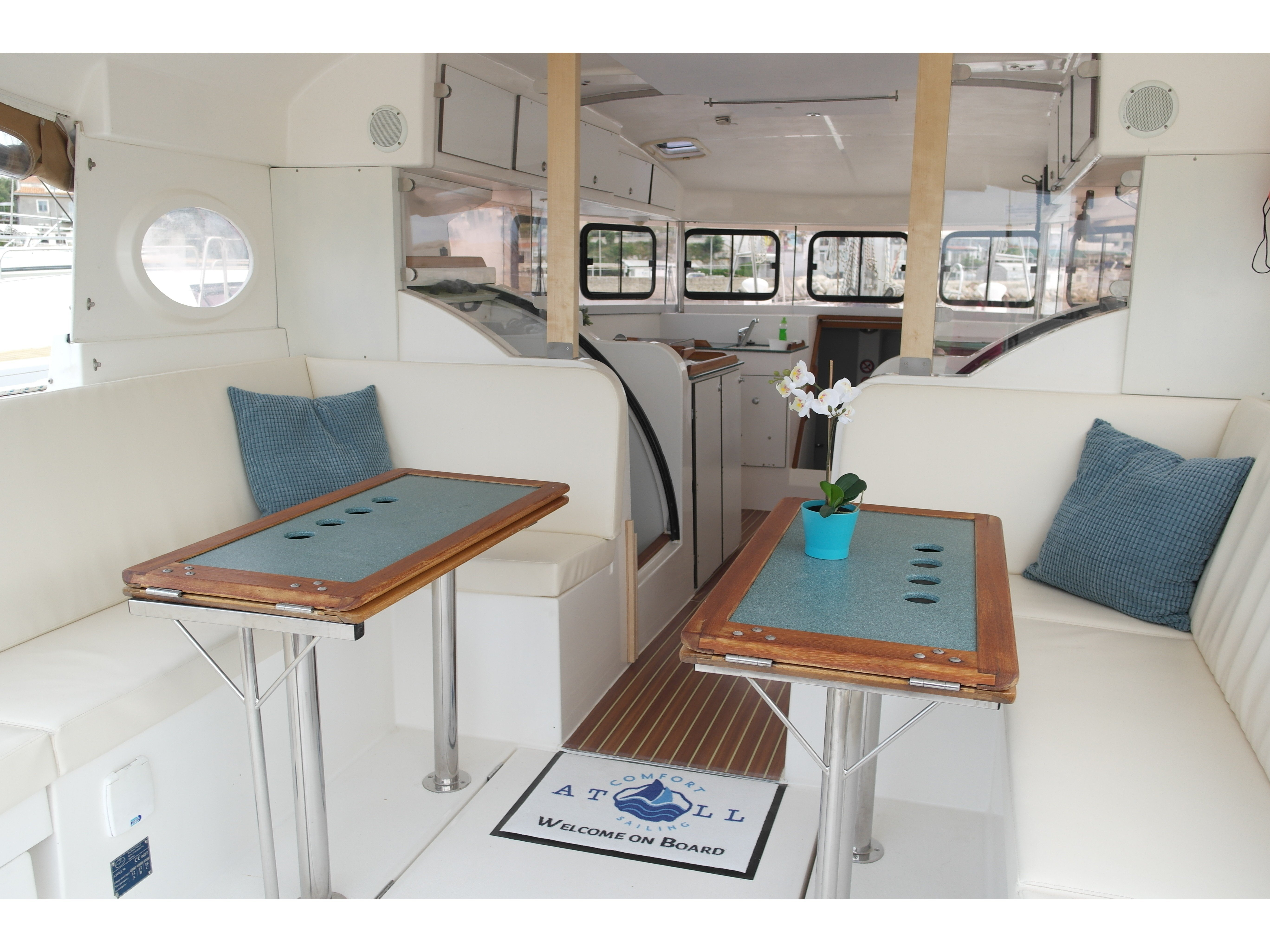 Dufour Atoll 6 (The Big One) Interior image - 1
