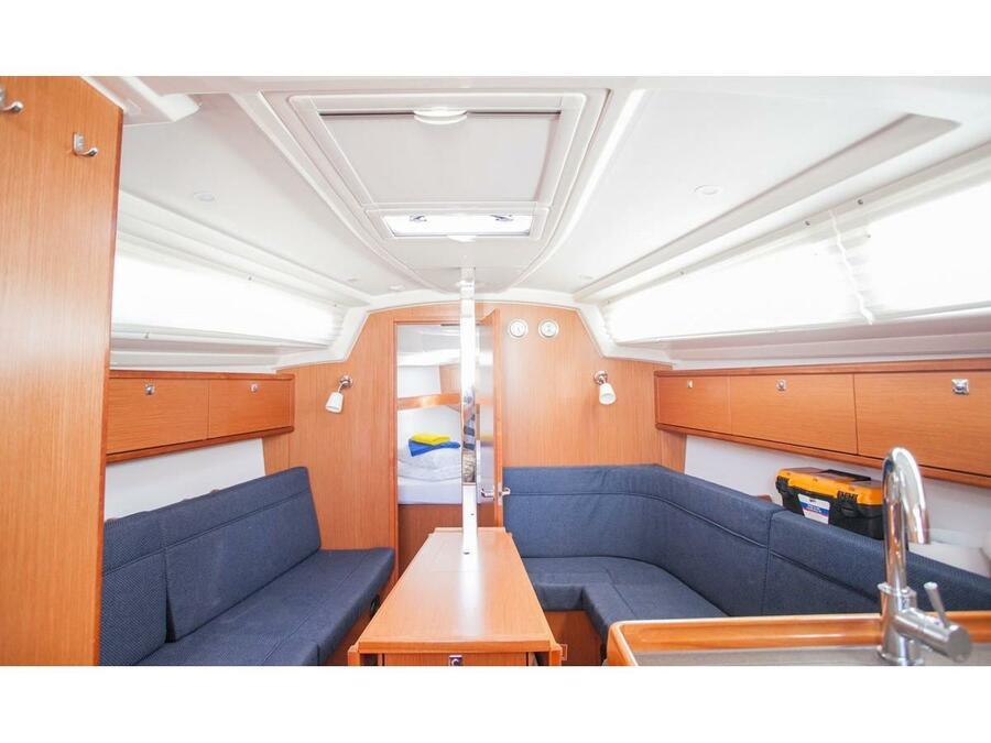 Bavaria Cruiser 34 (Valdo) Interior image - 7