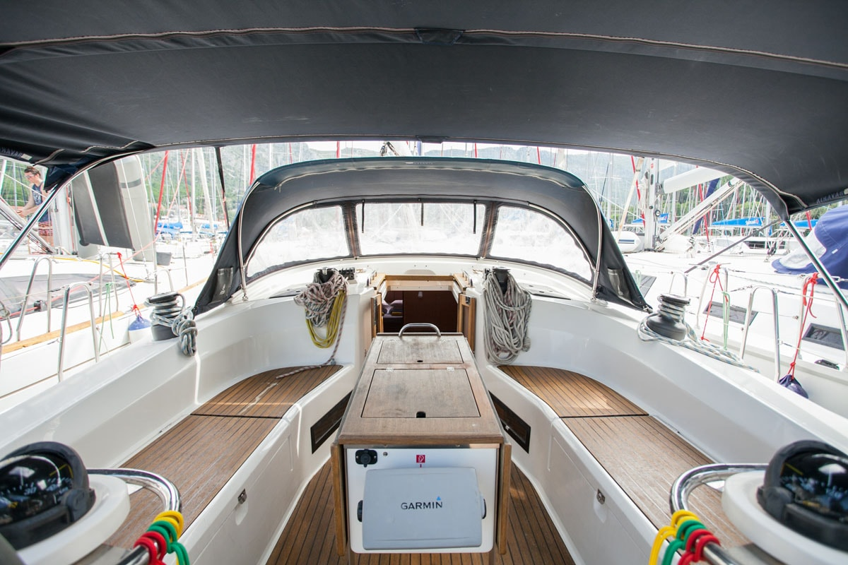 Bavaria Cruiser 45 (Blues Point)  - 9