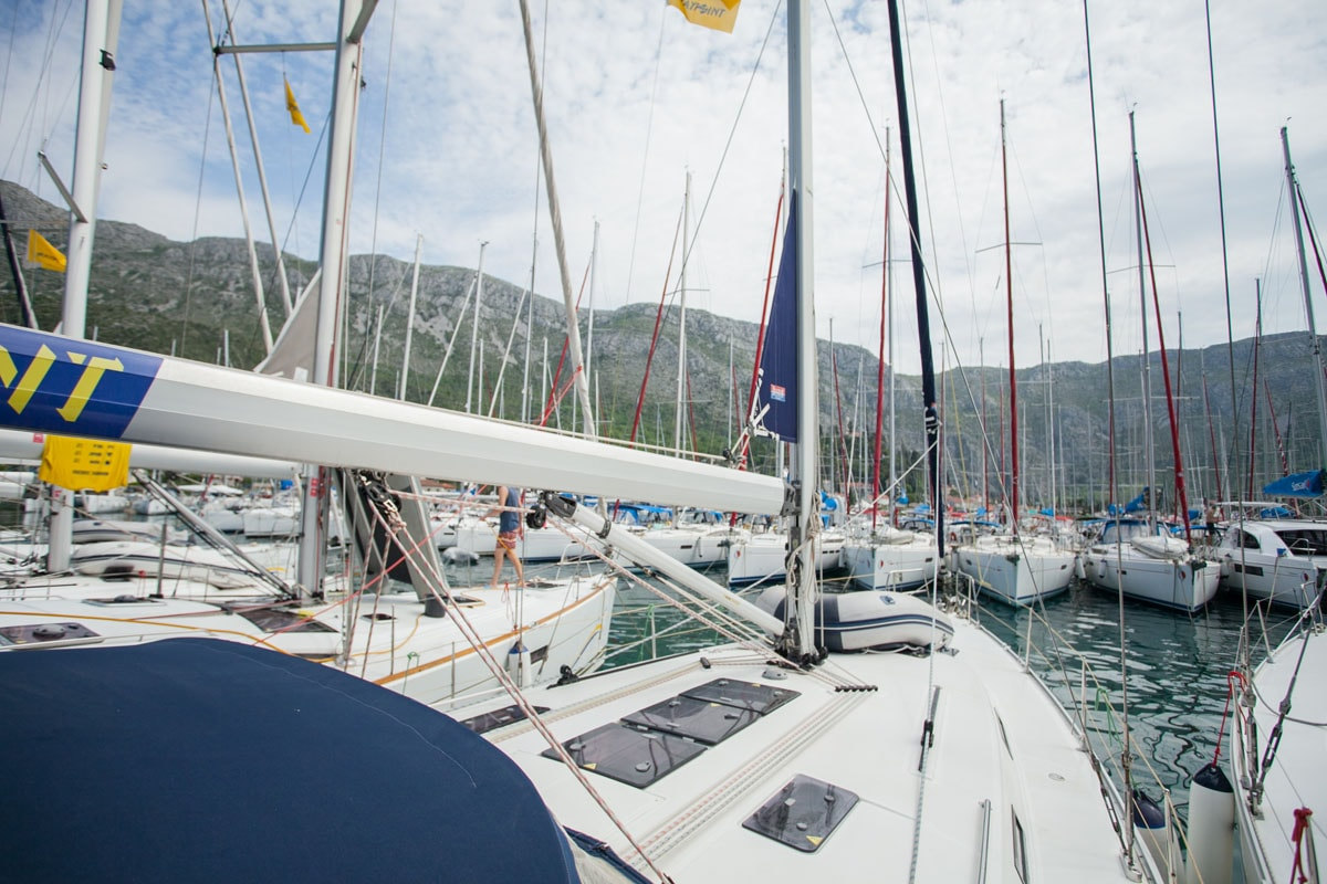 Bavaria Cruiser 45 (Blues Point)  - 17