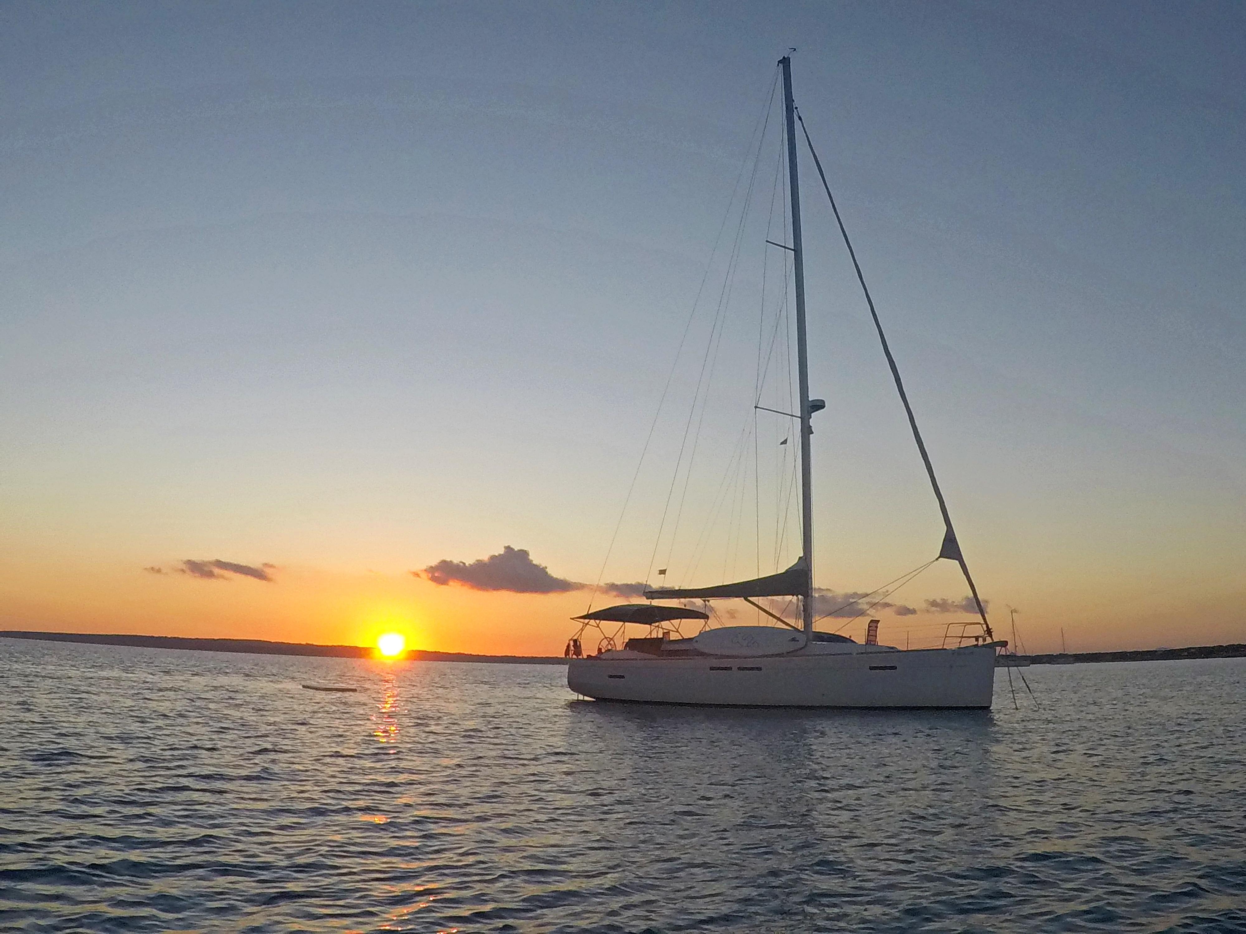 Sun Odyssey 439 (Esquitx) Sunset anchored - 12