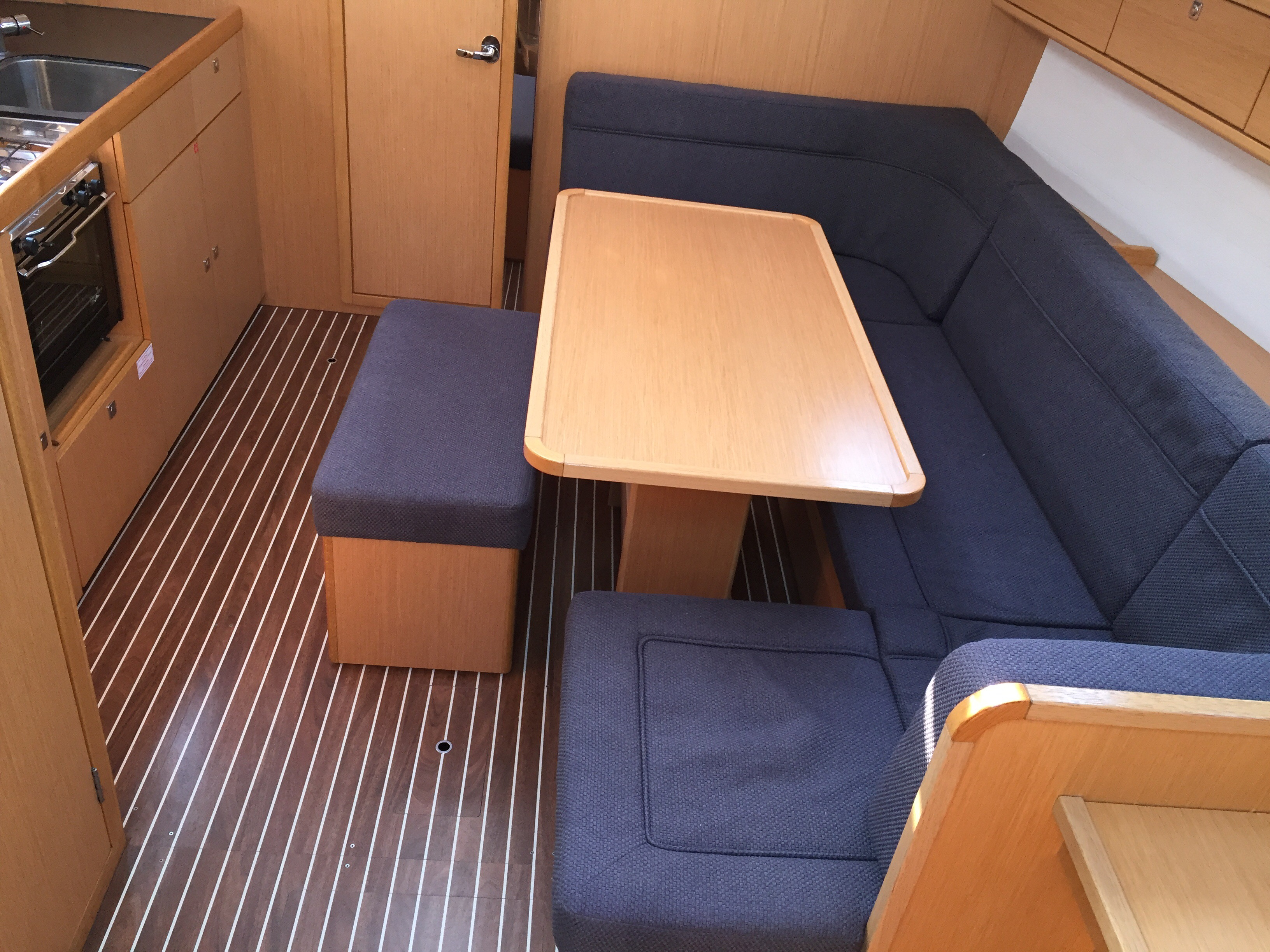 Bavaria Cr 41 (Alioth) Interior image - 11