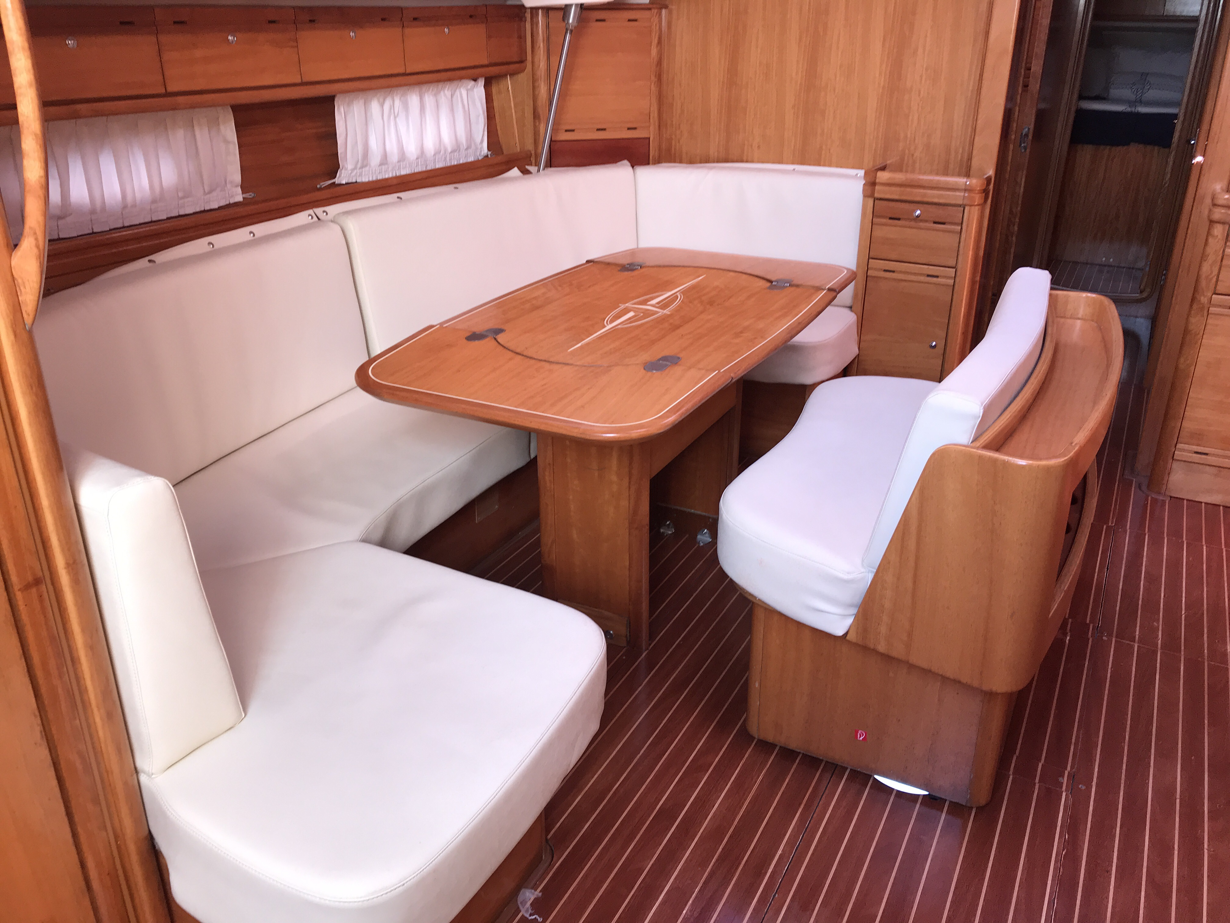 Bavaria 50 Cr (Sirius) Interior image - 8