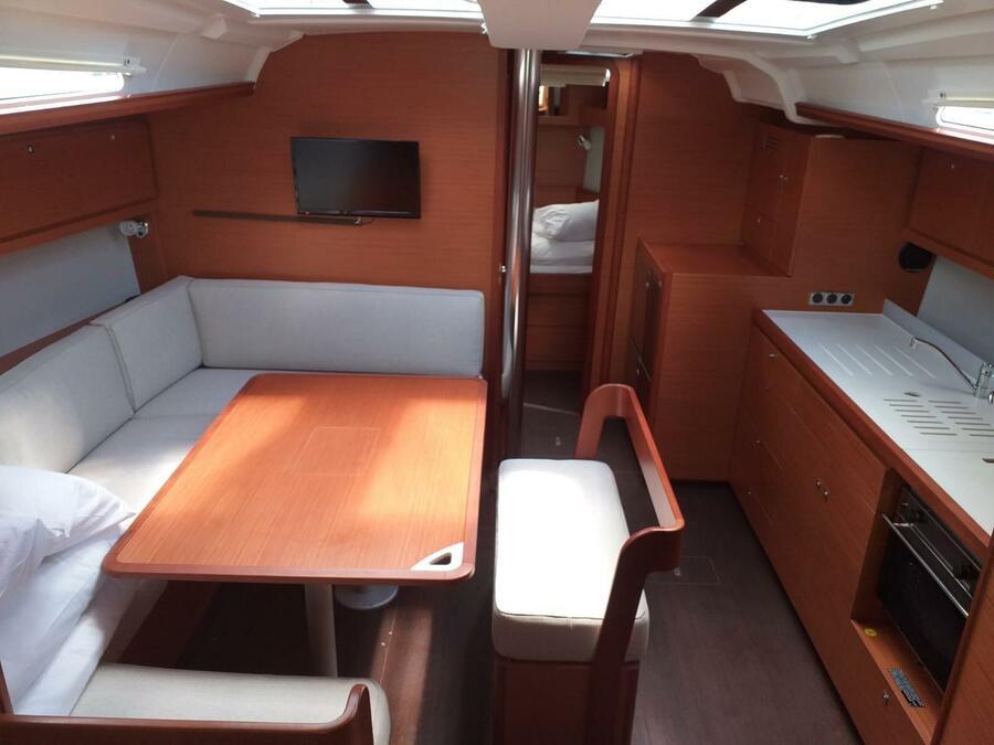 Dufour 430 Grand Large (Fenera) Interior image - 4