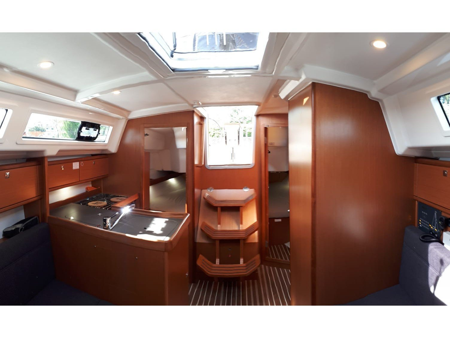 Bavaria 34 Cruiser (Joker) Interior image - 1