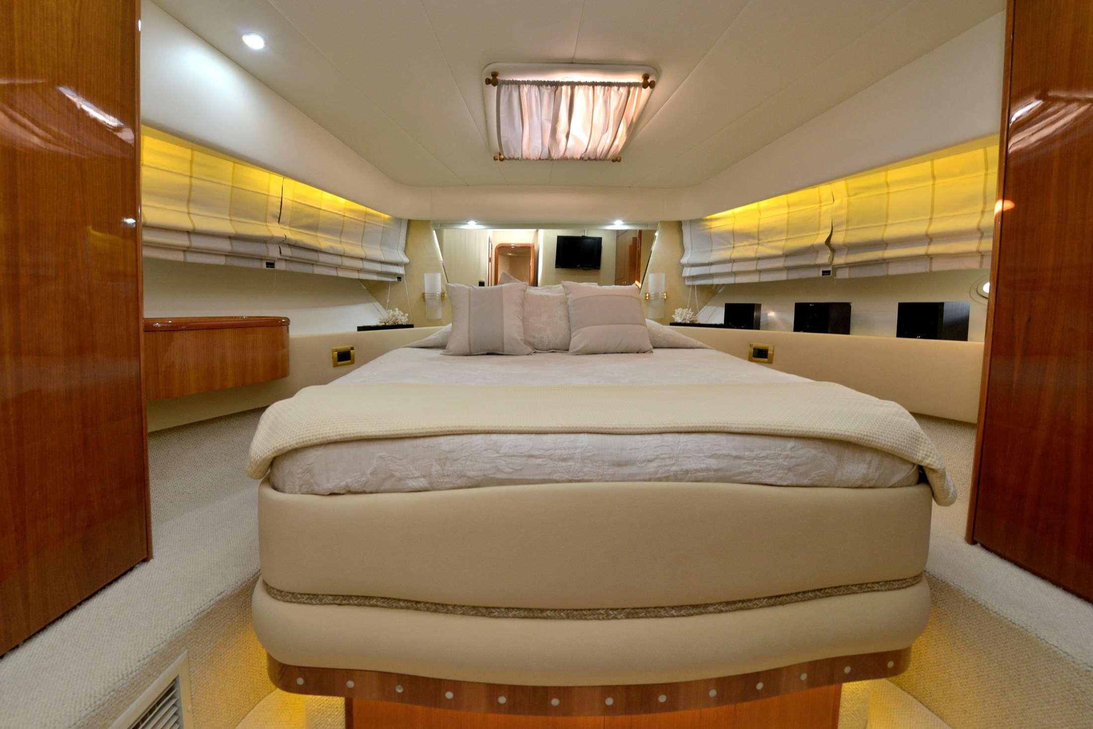 Azimut 58 (Poseidon) Master cabin - 8