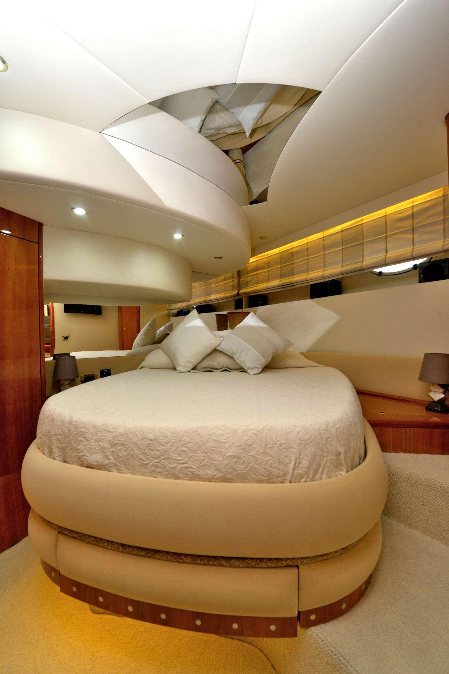 Azimut 58 (Poseidon) VIP cabin - 13
