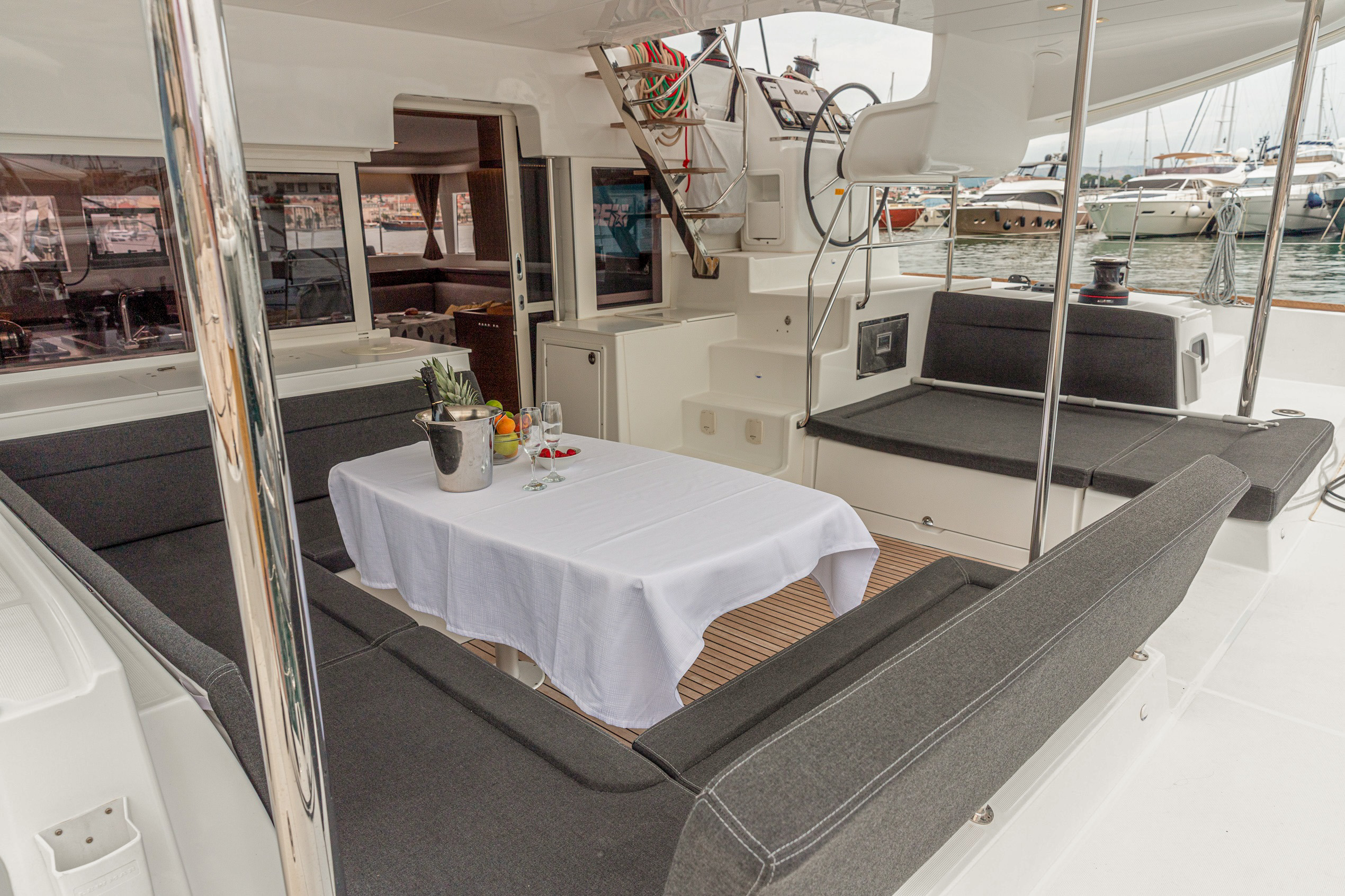 Lagoon 450 Sport (2018) equipped with generator, A (MOBY DICK)  - 5