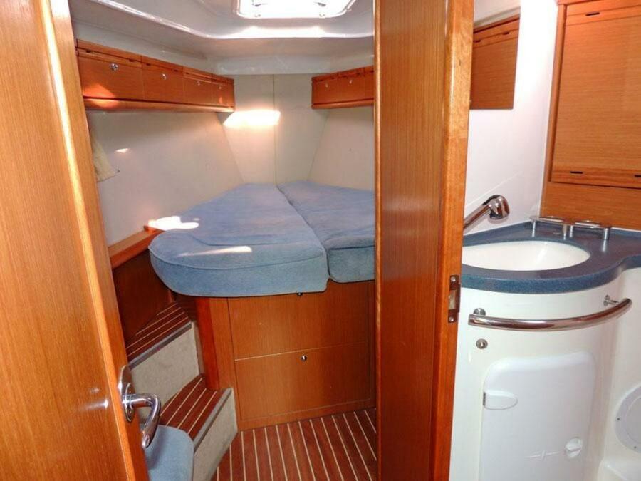 Bavaria 40 (Juliana - Bavaria 40 Cruiser)  - 19