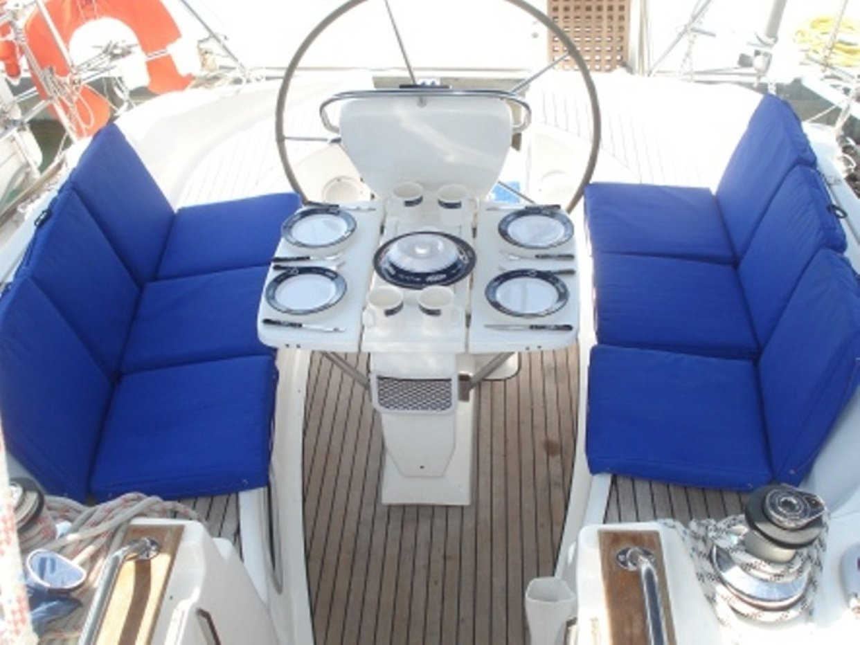 Bavaria 38 (Freedom - Bavaria 38 Cruiser)  - 13