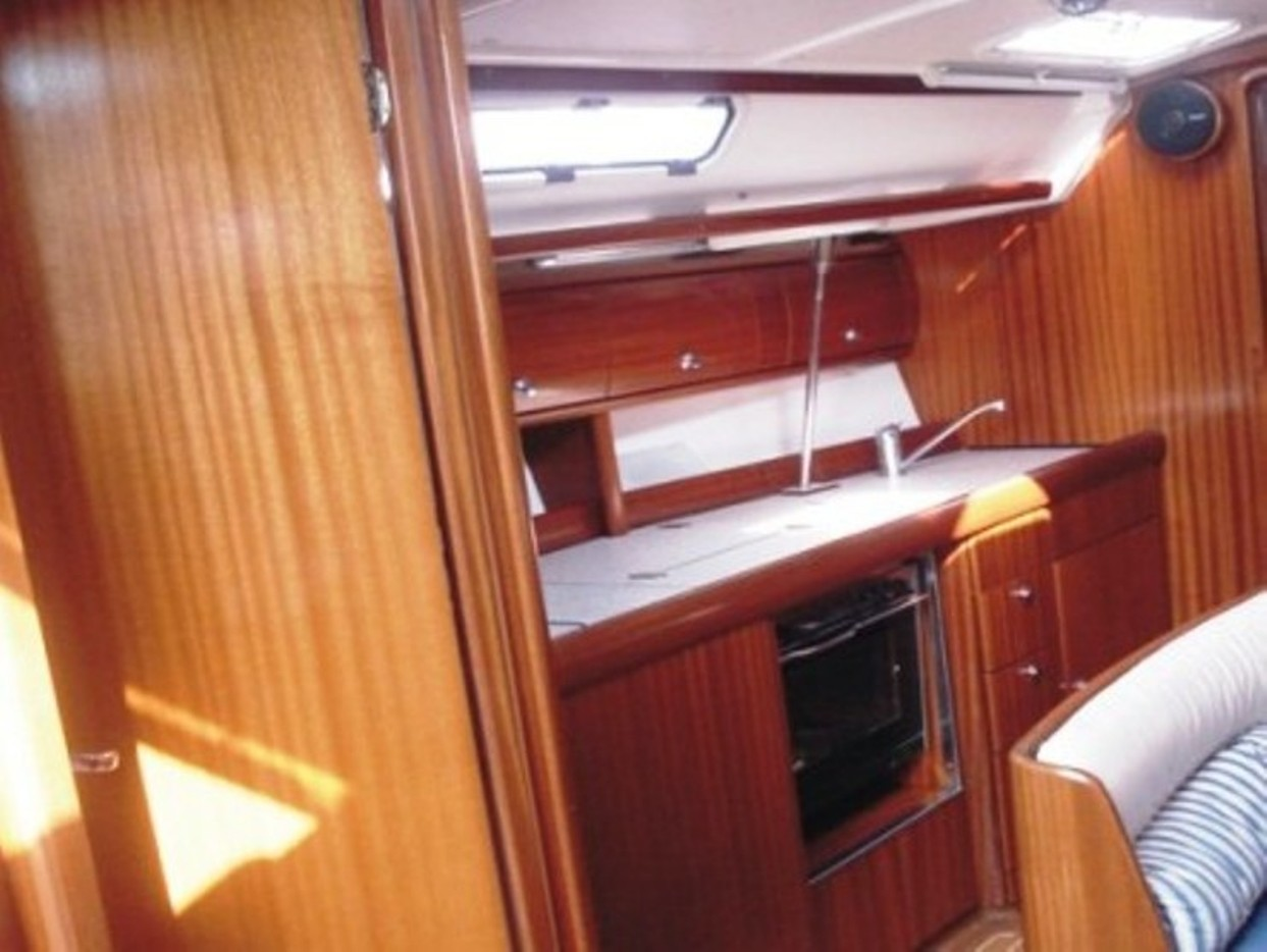Bavaria 38 (Freedom - Bavaria 38 Cruiser)  - 5