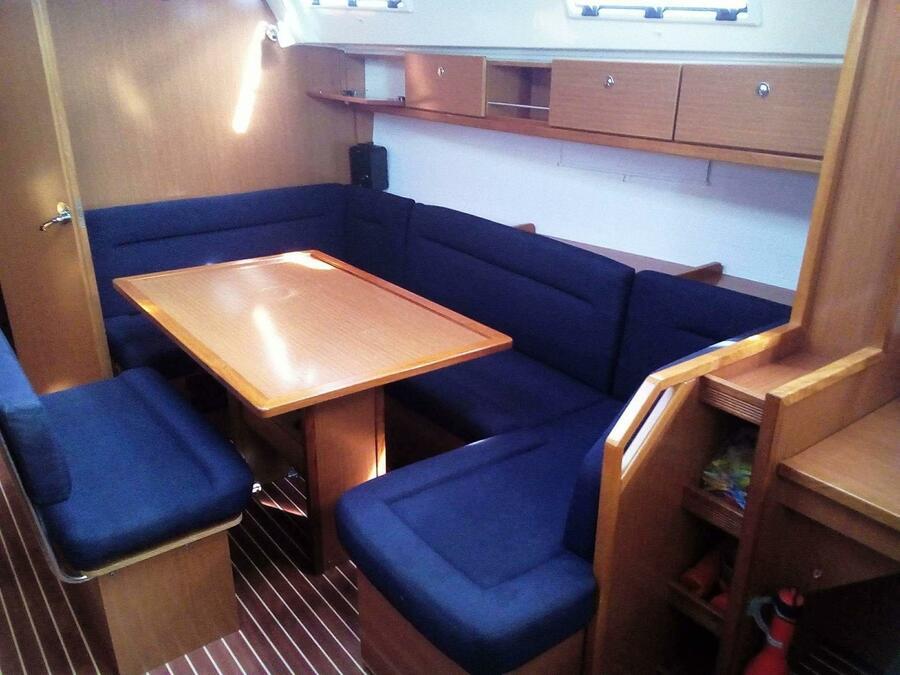 Bavaria 40 Cruiser (Ikaros) Interior image - 4