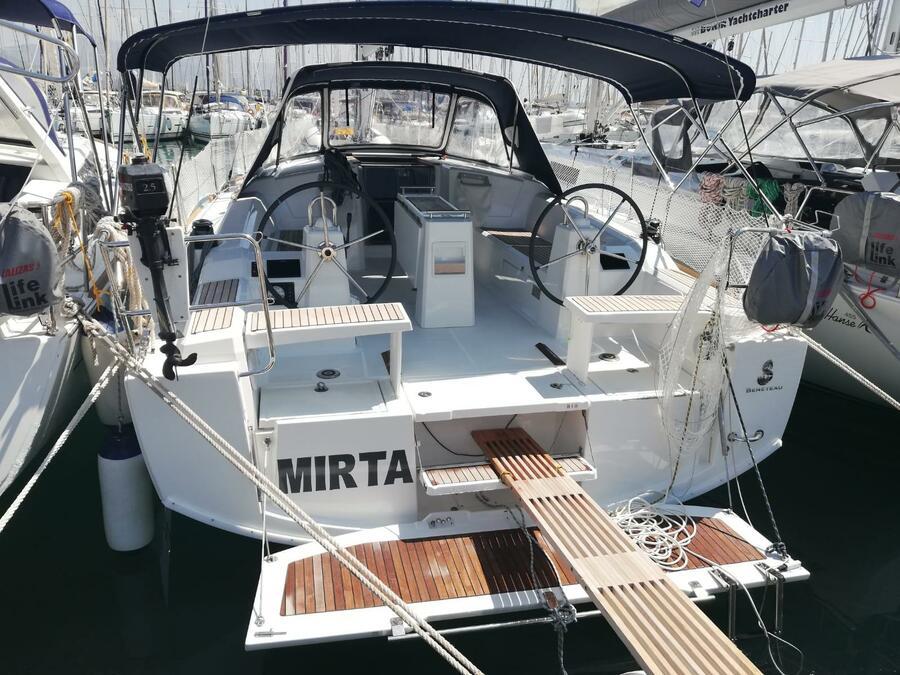 Oceanis 38.1 (Mirta)  - 19