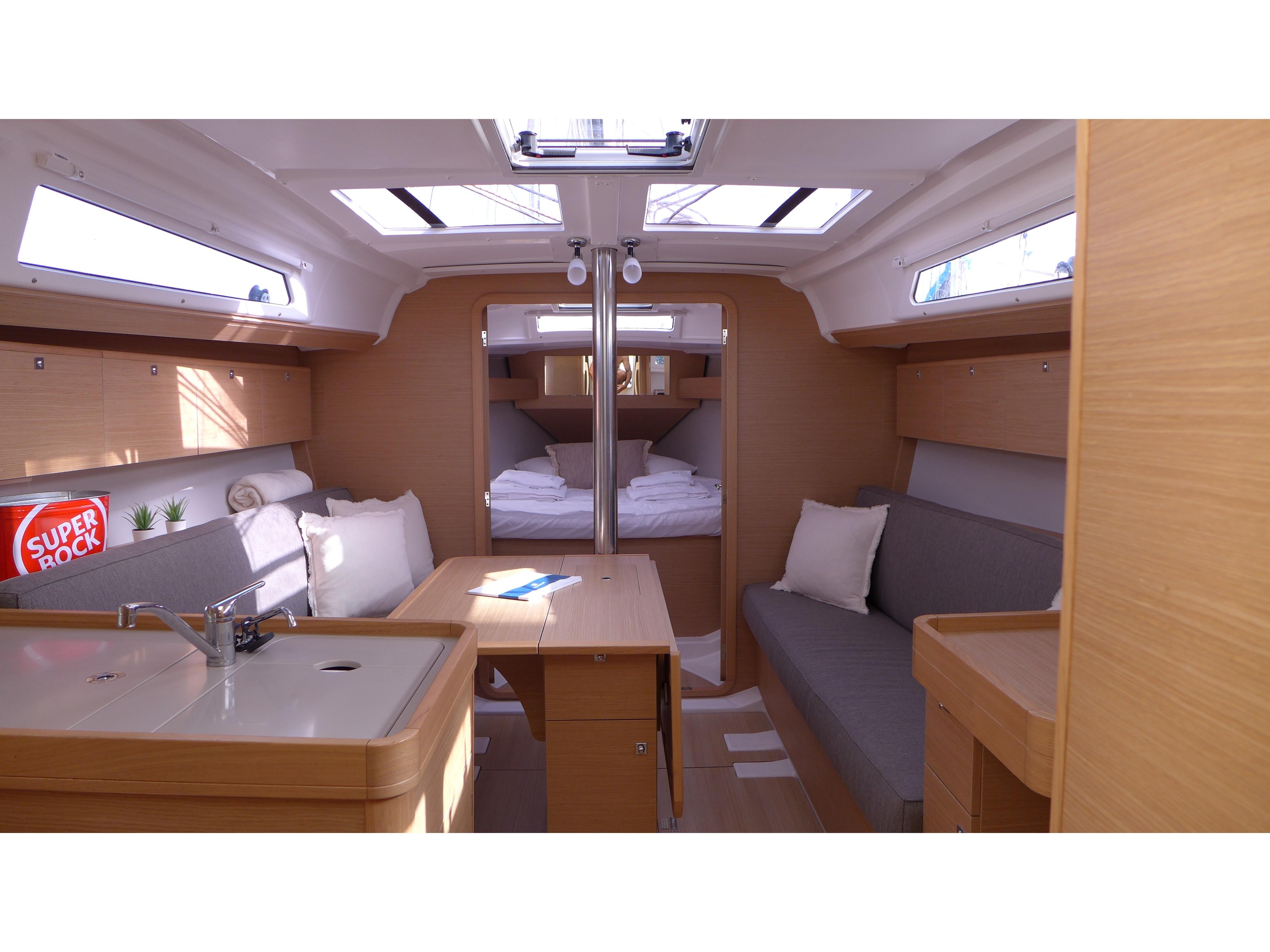 Dufour 360 (Mar me Quer) Interior image - 2