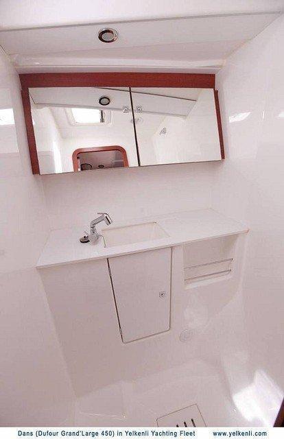 Dufour 450 GL (Dans) Front Shower - 5