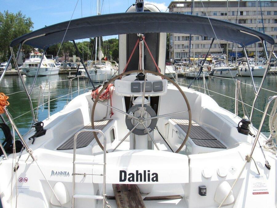 Sun Odyssey 32i (Dahlia)  - 8