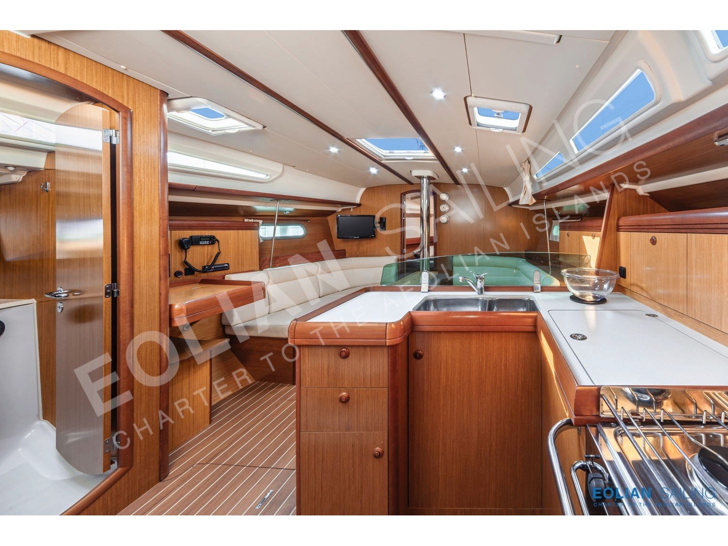 Jeanneau S.O. 42i (Vera (refitted in 2019, like new!)) Interior image - 7