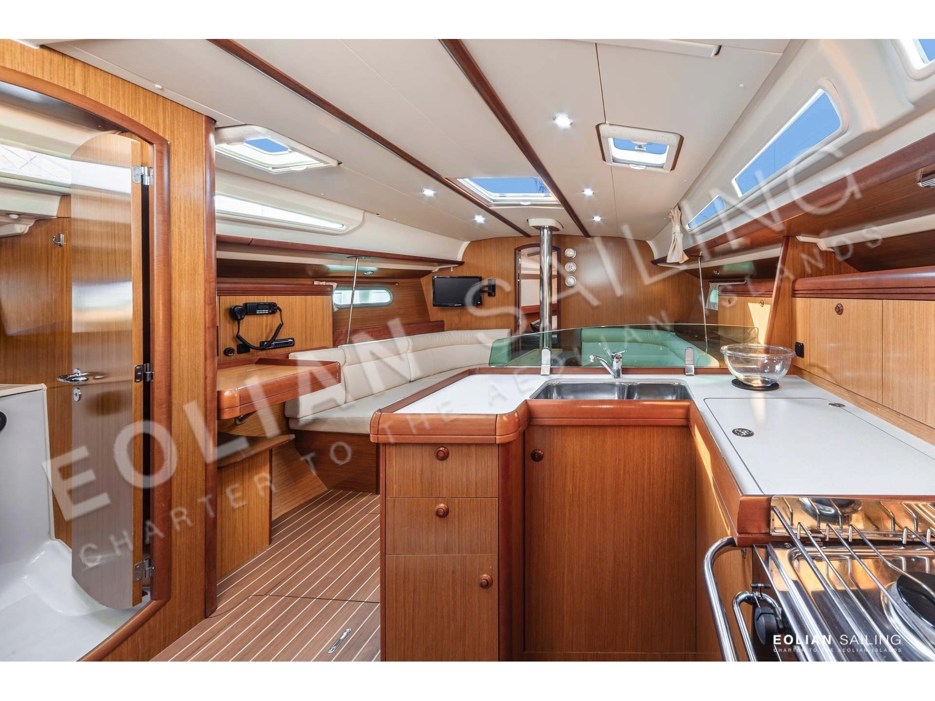 Jeanneau S.O. 42i (Vera (refitted in 2019, like new!)) Interior image - 4