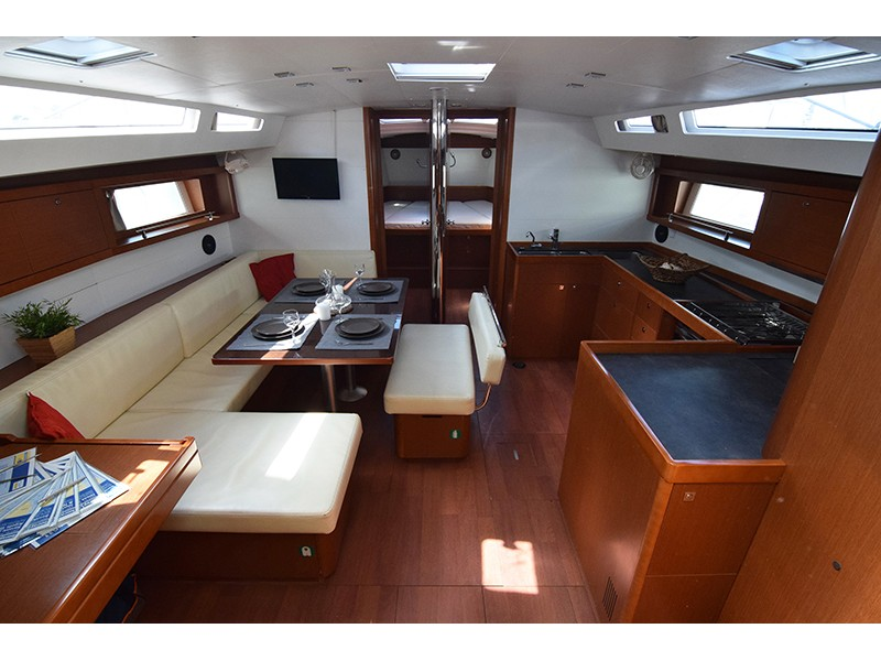 Oceanis 48 (Butterfly (A/C - Generator - 12 pax)) Interior image - 17