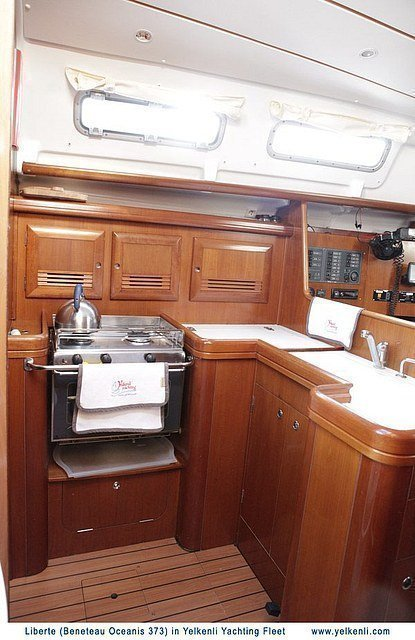 Oceanis 373 (Liberte) Galley - 10