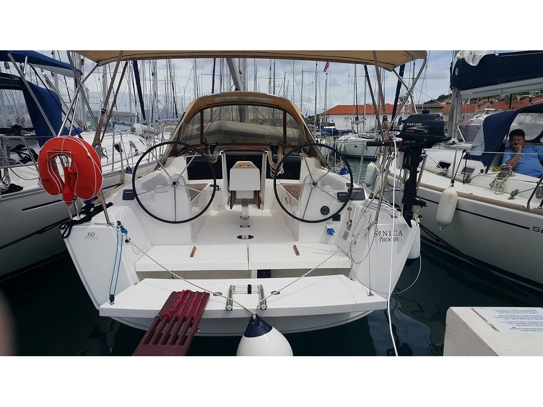 Dufour 350 Grand Large (Sinica) Interior image - 1