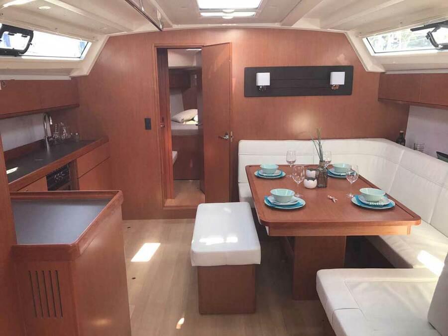 Bavaria Cruiser 46 (Sherdana) Interior image - 1