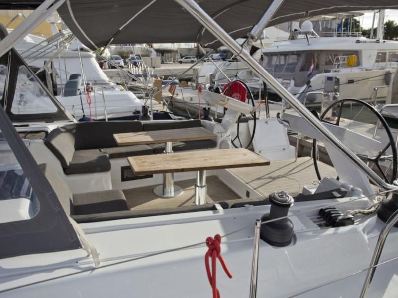 Hanse 588 (White Pearl)  - 50