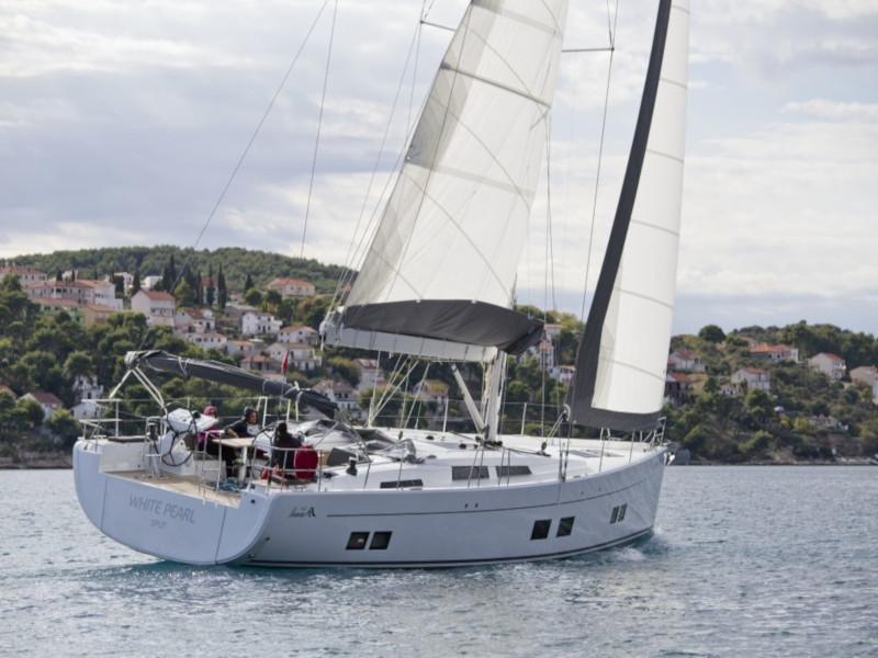 Hanse 588 (White Pearl) Main image - 0