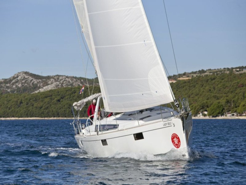 Oceanis 48 (10-4) (Lady Bug I)  - 35