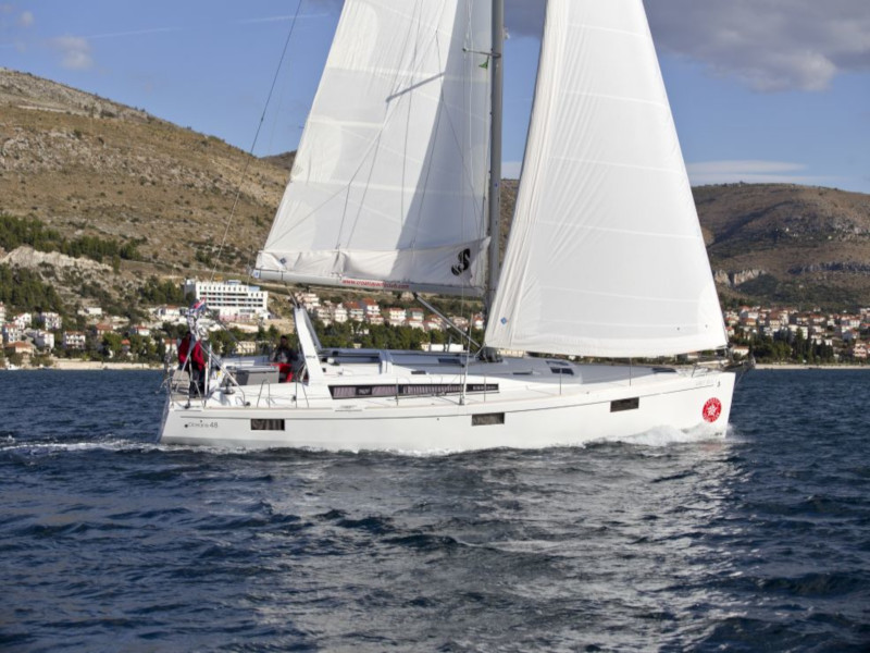 Oceanis 48 (10-4) (Lady Bug I)  - 28