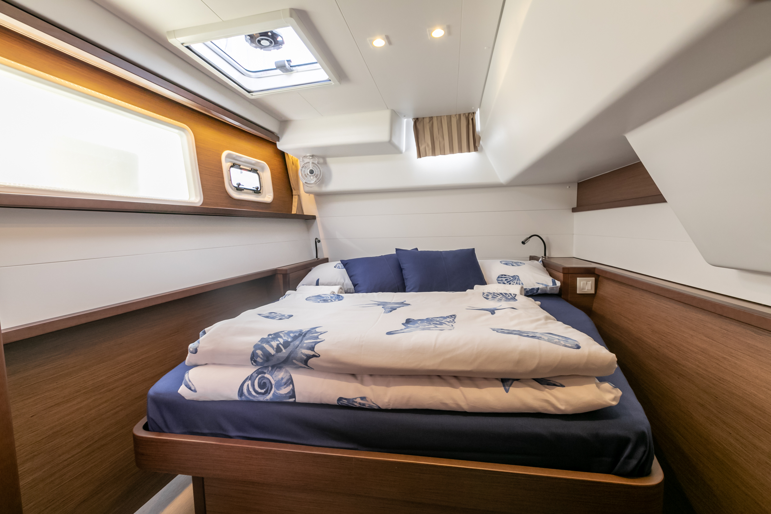 Lagoon 450 F (2019) equipped with generator, A/C ( (WIDE DREAM)  - 9