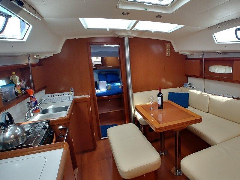 Oceanis 40 (Sapphire) Interior image - 2