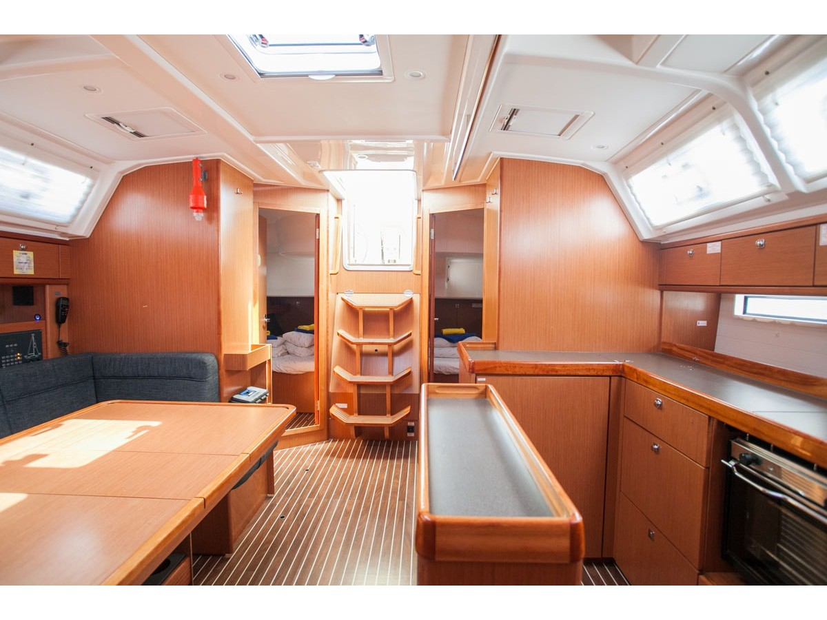 Bavaria Cruiser 46 (Queen Mary) Interior image - 4