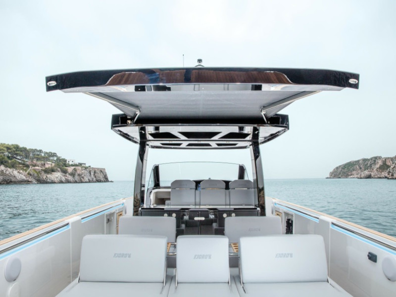 Fjord 44 Open (MEDCAT68 Available for daily charter only - From 10:00 to 20:00 - 0 night)  - 2