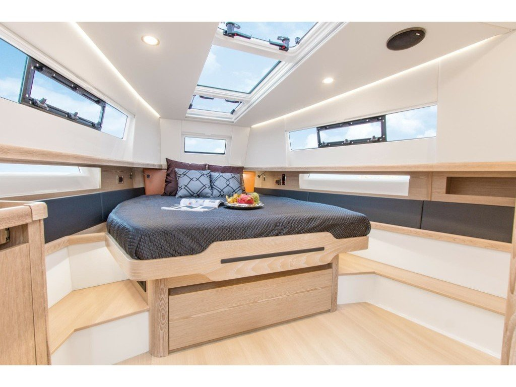 Fjord 44 Open (MEDCAT68 Available for daily charter only - From 10:00 to 20:00 - 0 night) Interior image - 19