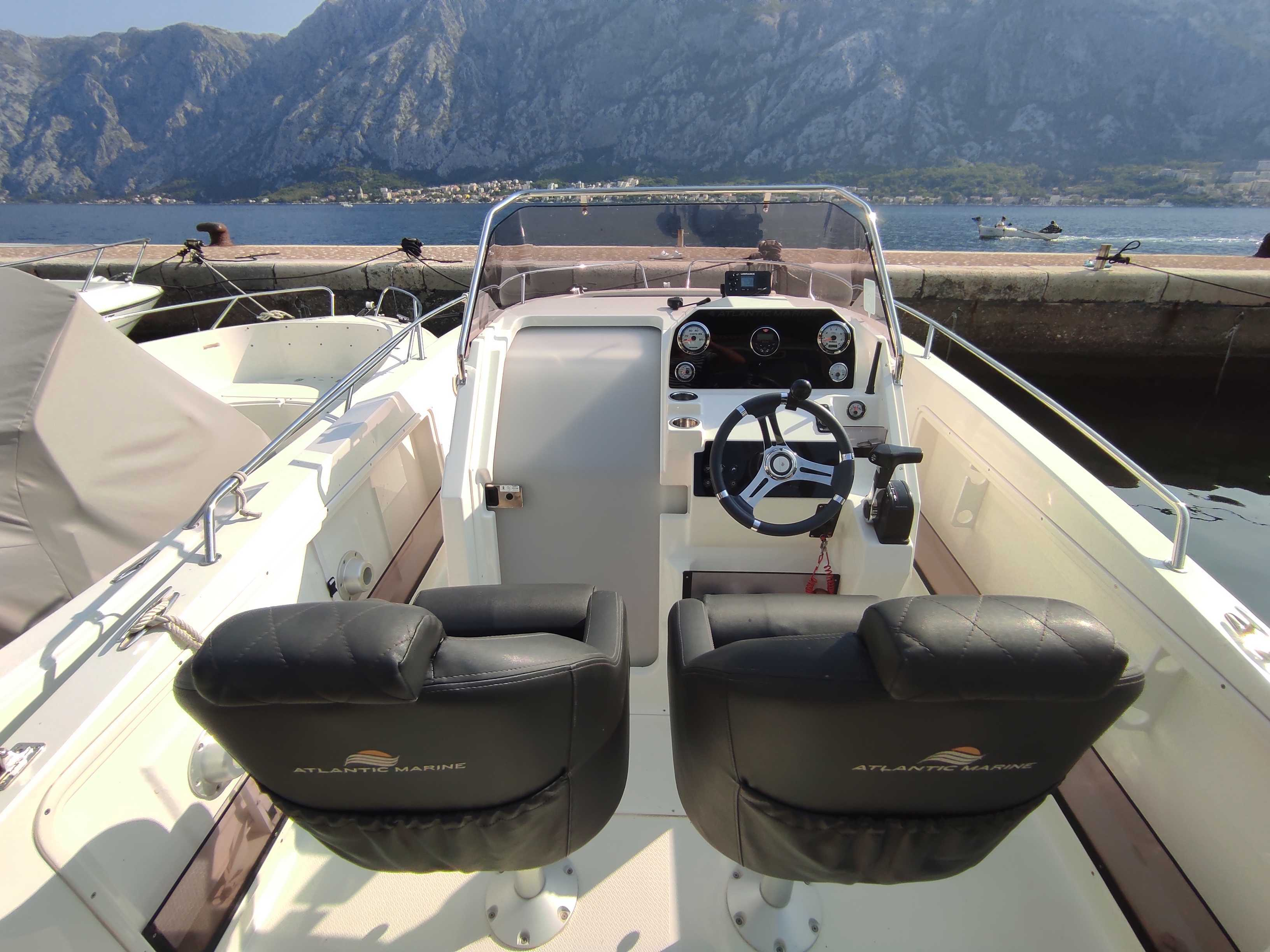 Atlantic 750 Open (Atlantic Marine Open 750) Interior image - 3