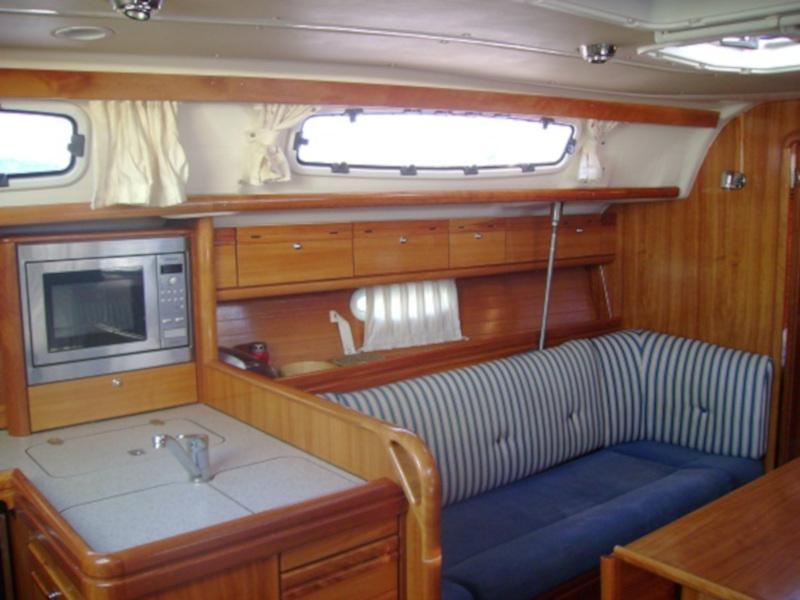 Bavaria 38 Cruiser (Boem) Interior image - 7