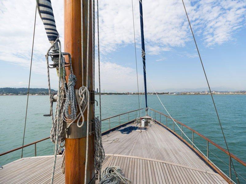 Motor sailer (Lady Q)  - 8